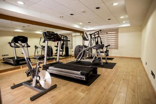 Das Fitnesscenter und/oder die Fitnesseinrichtungen in der Unterkunft Best Western PLUS Monterrey Colon