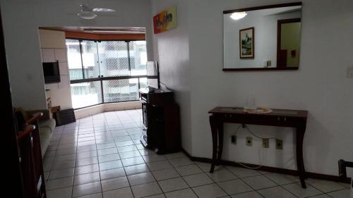 A kitchen or kitchenette at Apartamento Itapema ou Meia Praia