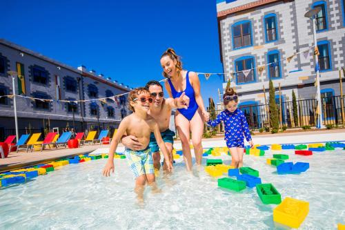 A family staying at LEGOLAND California Hotel and Castle Hotel