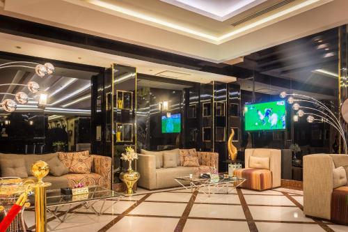 O saguão ou recepção de Al Muhaidb Al Takhasosi Suites