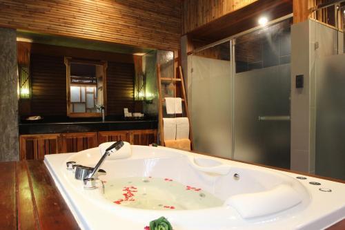 A bathroom at Railay Village Resort-SHA Plus