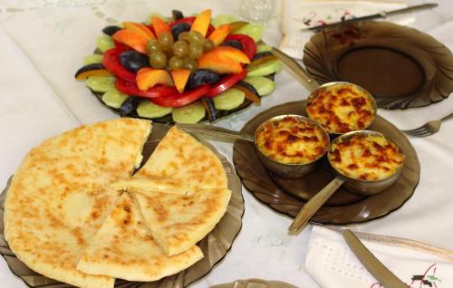 Еда / где поесть недалеко от гостевого дома