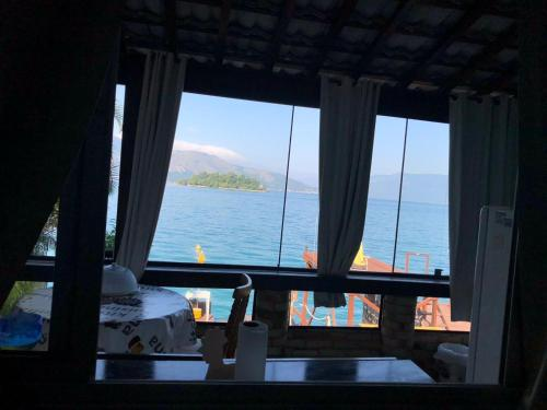 A restaurant or other place to eat at Porto Dourado, G2