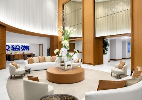 The lobby or reception area at Conrad Fort Lauderdale Beach