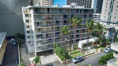 Ewa Hotel Waikiki с высоты птичьего полета