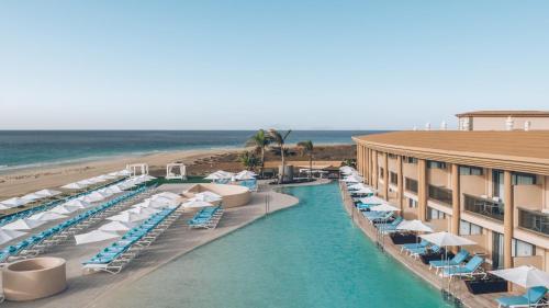 Widok na basen w obiekcie Iberostar Selection Fuerteventura Palace lub jego pobliżu