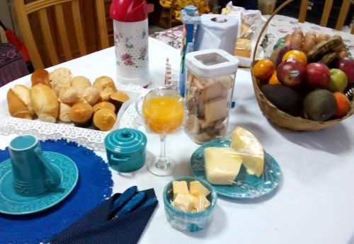 Breakfast options available to guests at House Tony e Maria