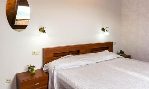 A bed or beds in a room at Villa Alessia