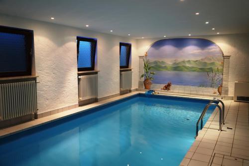 The swimming pool at or near Hotel Garni Effland