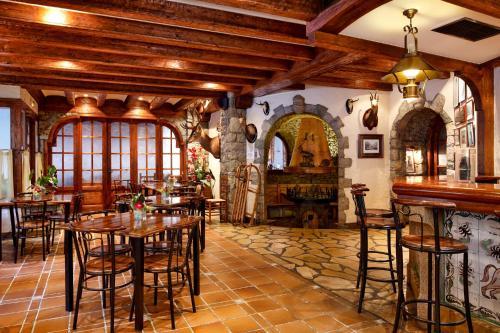 El salón o zona de bar de Hotel Ciria