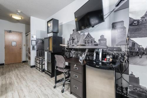 A kitchen or kitchenette at MacEwan University Residence