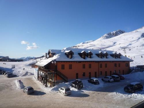 Dinastia Case Snow Apartment during the winter