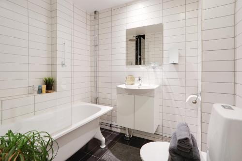 Ett badrum på Hotell Onyxen