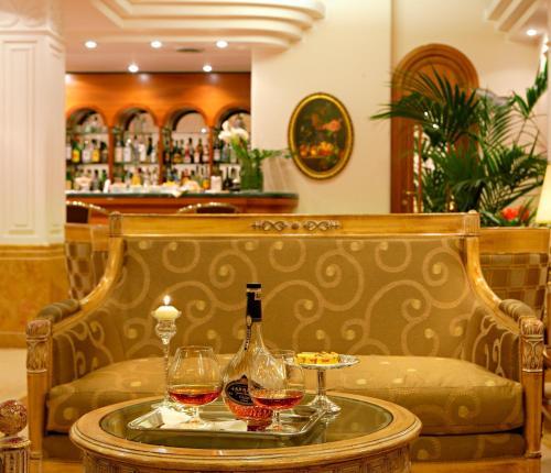 Lounge nebo bar v ubytování Hotel Mozart