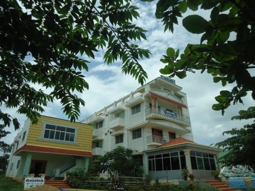 Aruvi Hotel