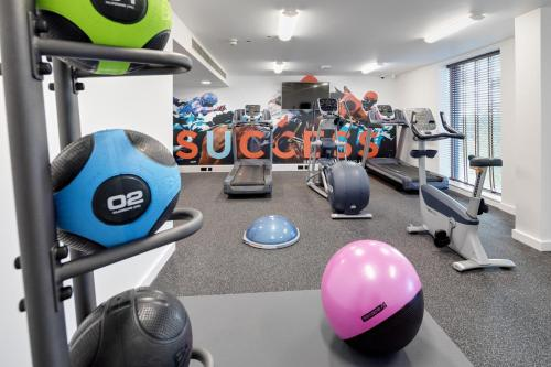 The fitness centre and/or fitness facilities at Hilton Garden Inn Doncaster Racecourse