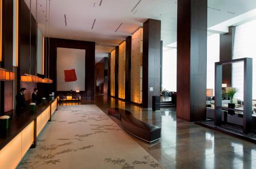 The lobby or reception area at Conrad Tokyo