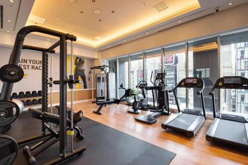 The fitness center and/or fitness facilities at Mercure Hotel Sapporo