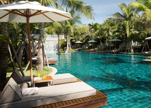 The swimming pool at or near Rest Detail Hotel Hua Hin