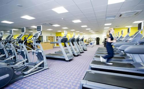 The fitness center and/or fitness facilities at Maldron Hotel & Leisure Centre Limerick