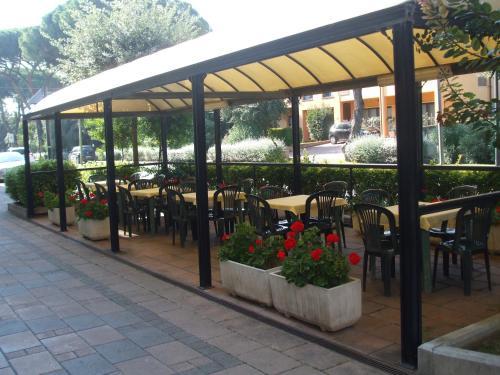 Ресторан / где поесть в Hotel Cucciolo