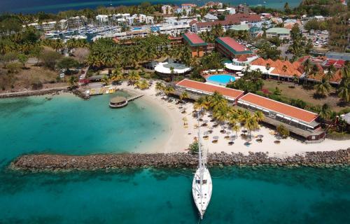 Vue panoramique sur l'établissement Hotel Bakoua Martinique