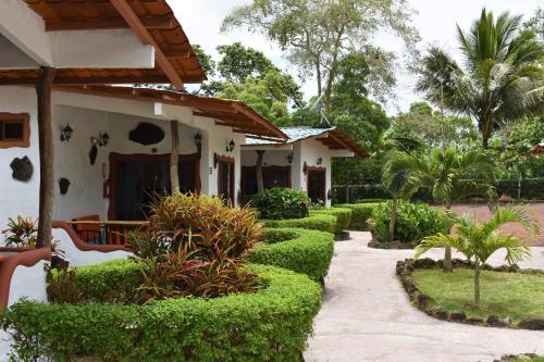 Piedras Blancas Lodge