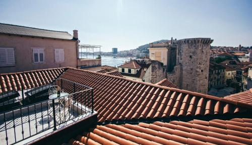 A balcony or terrace at Plaza Marchi Old Town - MAG Quaint & Elegant Boutique Hotels