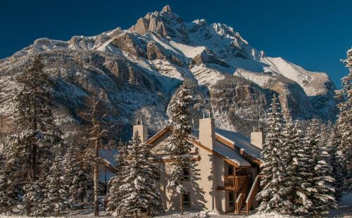 Banff Rocky Mountain Resort during the winter