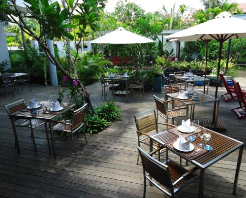 A restaurant or other place to eat at MEN's Resort & Spa (Gay Hotel)