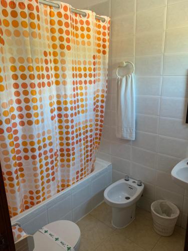 Un baño de Hotel-Restaurante la Loma