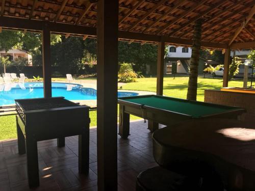 A piscina localizada em Sítio Vale de Guapi ou nos arredores