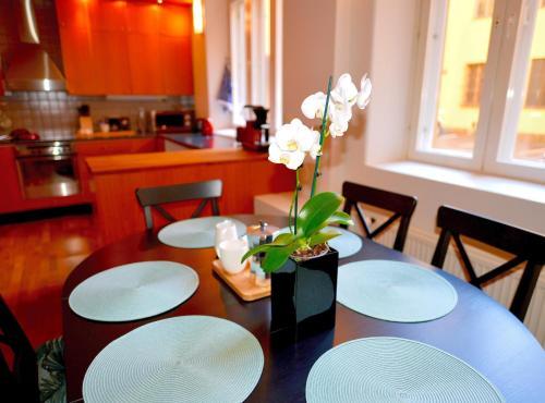 Majoituspaikan Apartment Diana Park ravintola tai vastaava paikka