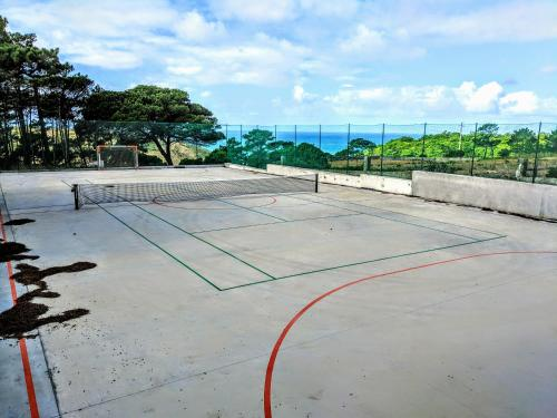 Tennis and/or squash facilities at Magoito's Villa or nearby