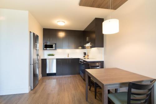Küche/Küchenzeile in der Unterkunft Gage Apartments at UBC