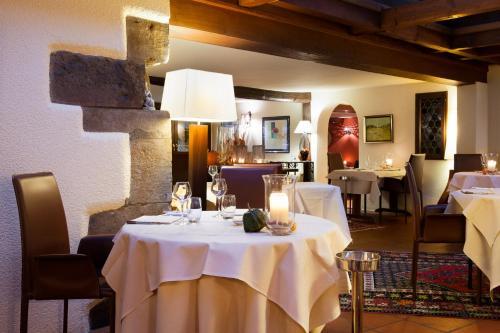 Restaurant ou autre lieu de restauration dans l'établissement Auberge Saint Laurent