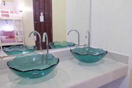 A bathroom at Lanta Residence Boutique