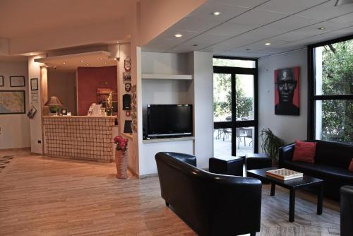 The lobby or reception area at Hotel Sant'Elia
