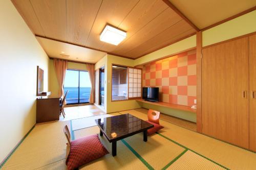A seating area at Seaside Hotel Mimatsu Ooetei