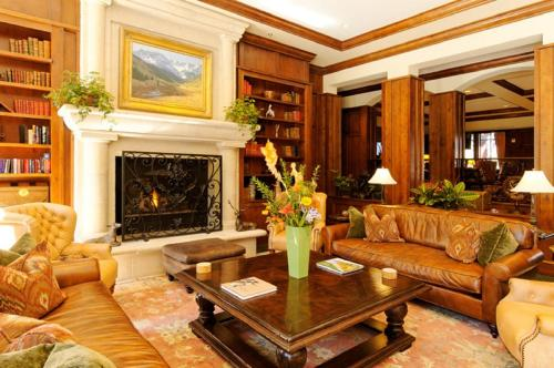 A seating area at Ritz Carlton, Aspen Highlands