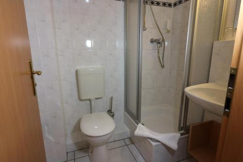 Ein Badezimmer in der Unterkunft Radduscher Hafen