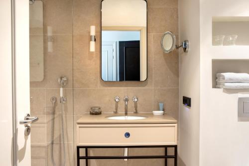 A bathroom at Pillows Grand Boutique Hotel Ter Borch Zwolle