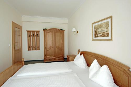 A bed or beds in a room at Villa Rosa