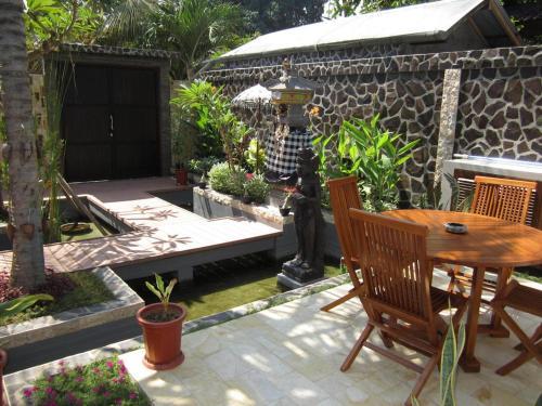 Restaurant ou autre lieu de restauration dans l'établissement Lovina Oasis Hotel