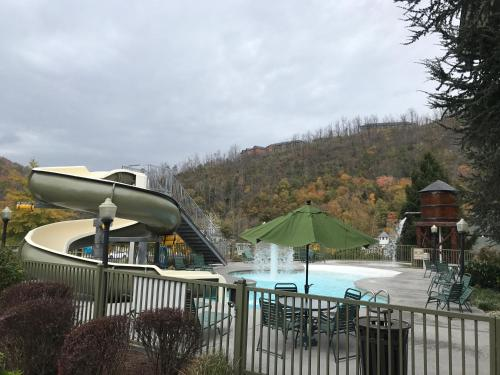 A view of the pool at The Appy Lodge or nearby