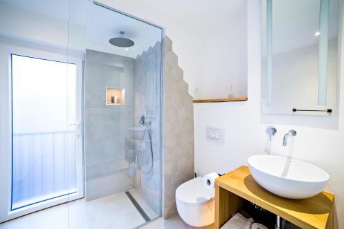Ein Badezimmer in der Unterkunft MEMENTO B&B Piran