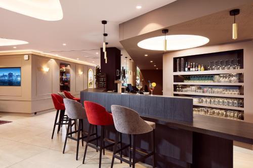 The lounge or bar area at Hôtel Turenne