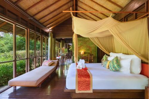 A restaurant or other place to eat at Zeavola Resort-SHA Plus