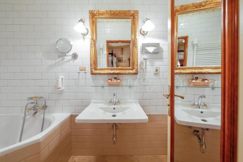 A bathroom at Chateau St. Havel - Wellness Hotel