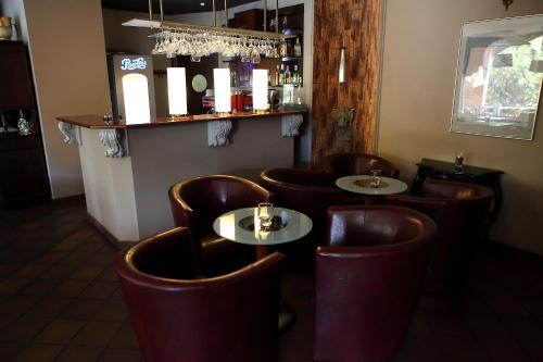 The lounge or bar area at Hotel Katrina